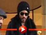Lenny Kravitz von Fans umzingelt