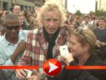 Thomas Gottschalk nimmt ein Bad in der Menge