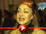 Ginger präsentiert ein gewagtes Outfit bei der Varekai-Premiere