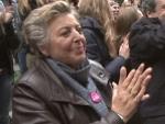Welt-Mädchentag: Ulrich Wickert und Mutter Beimer haben Spaß beim Beatboxen