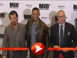 Will Smith, Josh Brolin und Barry Sonnenfeld posieren für die Kameras