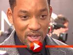 """Will Smith stellt """"I am Legend"""" in Berlin vor: Und schreibt fleißig Autogramme auf dem roten Teppich!"""