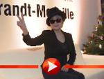 Yoko Ono bekommt in Berlin einen Menschenrechtspreis verliehen