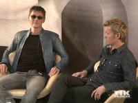 Lässig wie eh und je: Morten Harket und Magne Furuholmen von der norwegischen Pop-Band a-ha haben es sich bequem gemacht