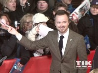 "Aaron Paul gut gelaunt auf der ""A Long Way Down""-Premiere in Berlin"