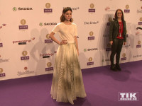 Lena Meyer-Landrut kam in einem weißen Kleid zum Echo 2015