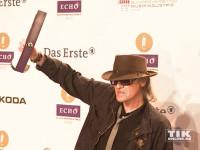 Panik-Rocker Udo Lindenberg stemmt seinen Echo in die Höhe
