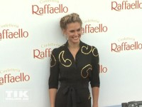 Supermodel Bar Refaeli beim Raffaello Summer Day 2014