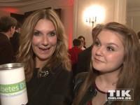 Kim Fischer mit Nichte Lilly und einer Spendendose