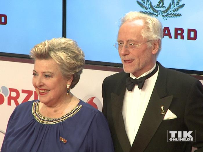 """Marie-Luise Marjan und Joachim Hermann Luger alias """"Mutter und Vater Beimer"""" bei der Goldenen Kamera 2015"""