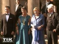 Die Kanzlerin ganz in blau bei der Eröffnung der Wagner-Festspiele 2013 in Bayreuth