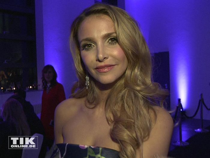 """Uschi Glas' Stieftochter Sophie Hermann auf der """"James Bond""""-Party der Luxusmarke S.T. Dupont"""