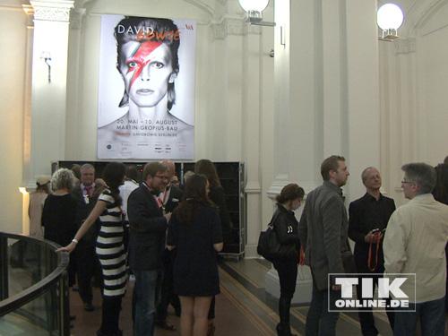 Der Andrang ist groß bei der David Bowie Ausstellung in Berlin