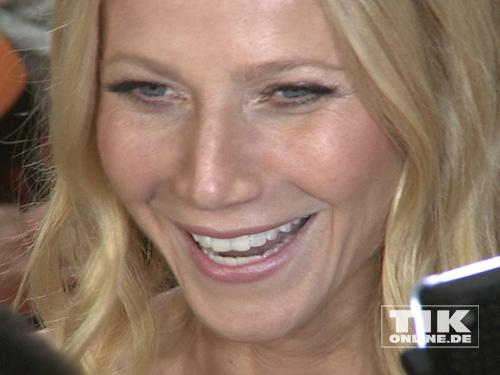 Gwyneth Paltrow gut gelaunt bei der Goldenen Kamera 2014