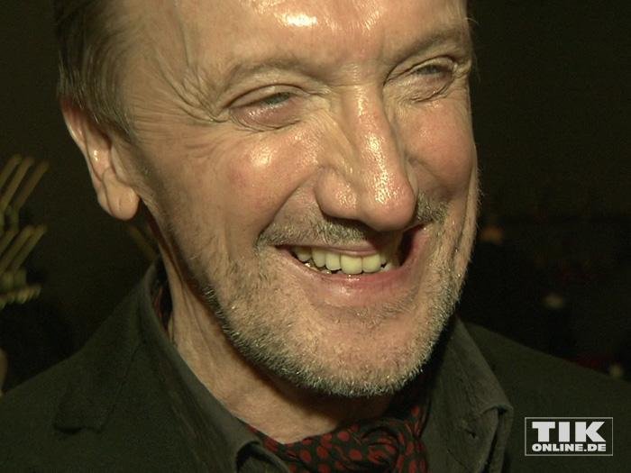 """Mit guter Laune kam Marius Müller-Westernhagen zu den GQ """"Männer des Jahres"""" 2015 Awards"""