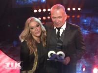Anastacia und Jean Paul Gaultier posieren bei den GQ Männer des Jahres Awards 2013
