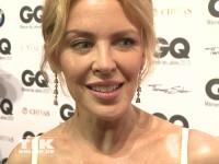 Flirtie Kylie Minogue bei den GQ Männer des Jahres Awards 2013