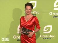 Desiree Nosbusch strahlte in einem roten Kleid beim GreenTec Award 2015