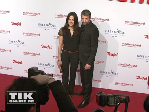 Bettina Zimmermann und Kai Wiesinger verliebt auf der Medienboard Party 2014