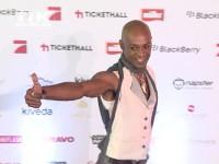 Daumen hoch von Percival Duke beim Music Meets Media 2013