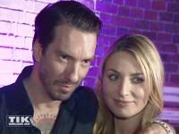 Boss Hoss Alec Völkel mit seiner Freundin Johanna Michels posieren bei den Musikexpress Style Awards 2014