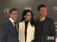 Florian David Fitz posierte mit Minu Barati-Fischer, der Frau von Ex-Außenminister Joschka Fischer, und David Kross für die Kameras bei der Place-2-B-Party in Berlin