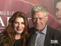 """Rüdiger Joswig mit seiner Ehefrau Claudia Wenzel bei der """"Elisabeth""""-Musical-Premiere in Berlin"""