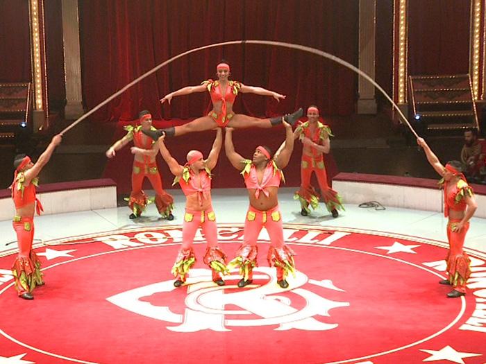 Bei der Premiere des Roncalli Weihnachtscircus 2015 wurde wieder jede Menge spektakuläre Akrobatik geboten