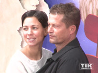 """Til Schweiger kuschelt mit seiner Freundin Marlene Shirley bei der Premiere des Films """"Der kleine Prinz"""" im Berliner Zoo Palast"""