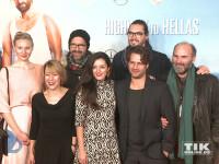 """Der Cast der Komödie """"Highway to Hellas"""" posiert bei der Premiere in Berlin für die Fotografen"""