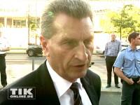 Auch EU-Kommissar Günther Oettinger machte Angela Merkel zu ihrem 60. seine Aufwartung