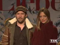 """Promis bei der Premiere von """"Alles ist Liebe"""" in Berlin"""