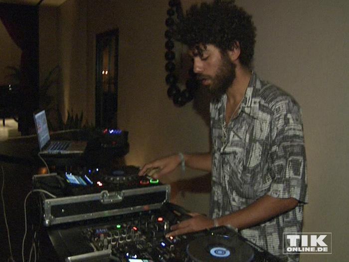 """Noah Becker sorgte als DJ für die musikalische Untermalung beim """"Mission: Impossible 5""""-Screening in Berlin."""