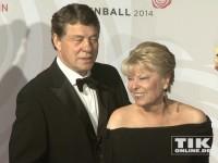 Otto Rehagel und Ehefrau beim Rosenball 2014
