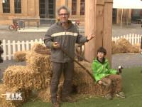 """Dani Levy kam mit seinem Sohn Joshua zur Premiere von """"Shaun das Schaf"""" und genossen das Bauernhof-Feeling"""