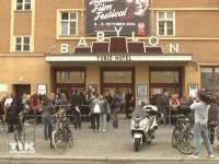 Vor dem Kino Babylon in Berlin warteten schon frühzeitig zahlreiche Fans auf Tokio Hotel