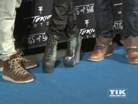 Bill Kaulitz hatte sich für seinen Auftritt für die hochhackigen Platteauschuhe entschieden